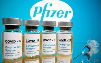 Ủy ban cố vấn của Cục Quản lý Dược phẩm Mỹ thông qua khuyến nghị cấp phép sử dụng khẩn cấp vắc xin của Pfizer và BioNTech