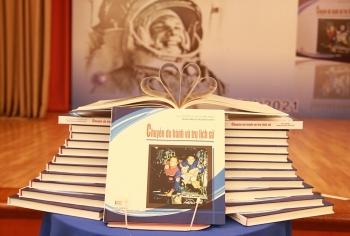 """Ra mắt ấn phẩm lưu trữ """"Chuyến du hành vũ trụ lịch sử"""""""
