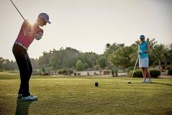 giai golf huu nghi lien xo cu va dong au 2019 da tim ra 2 golfer xuat sac nhat