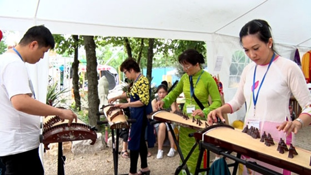 festival viet nam dau tien tai thanh pho lyon phap