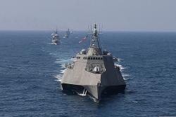 Tàu chiến Mỹ hai lần áp sát Trường Sa, Hoàng Sa