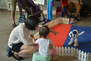 hon 1000 nguoi cung saigon childrens charity trao co hoi den truong cho tre em gai kho khan