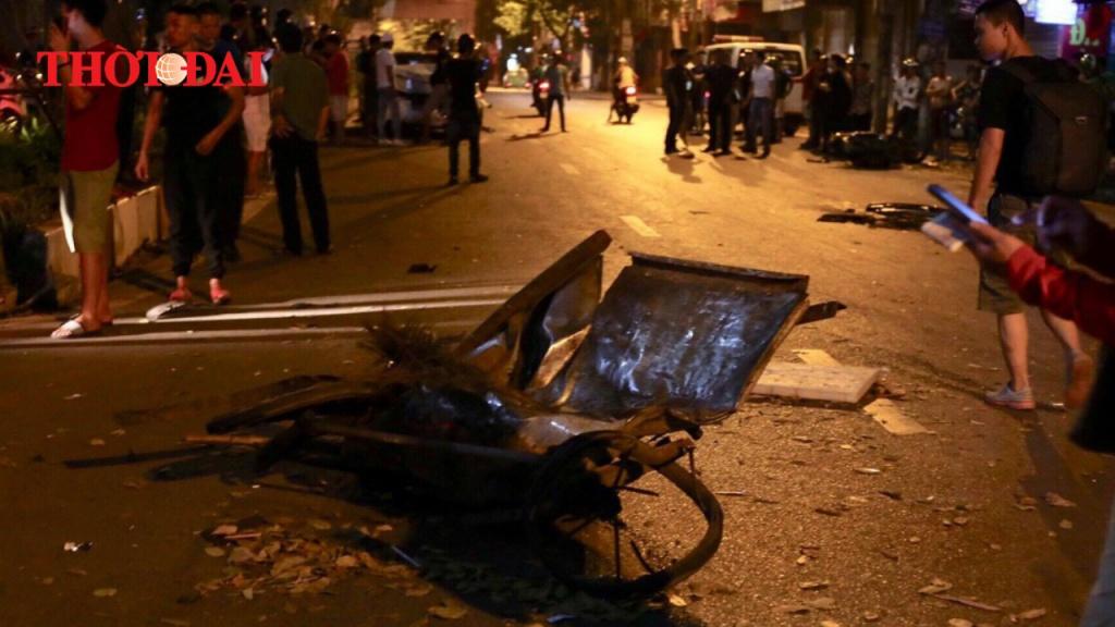Video: Toàn cảnh vụ xe điên gây tai nạn liên hoàn ở Hà Nội đêm 22/4